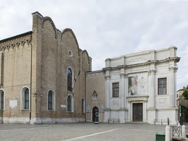 Figura 2: Facciata e Chiesa di Santa Maria della Carità, sede delle Gallerie dell'Accademia di Venezia